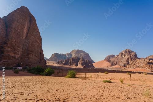 Photo  Red mountains of Wadi Rum desert in Jordan