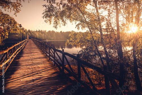 Valokuva  Herbst und Brücke