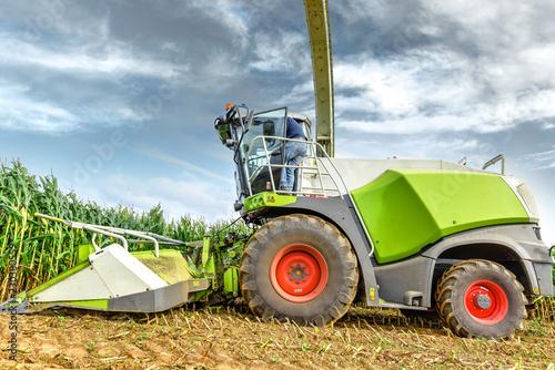 Fotografie, Obraz agriculteur montant dans sa machine