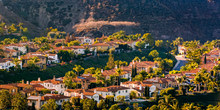 Sunlit Homes On A Hill In San ...