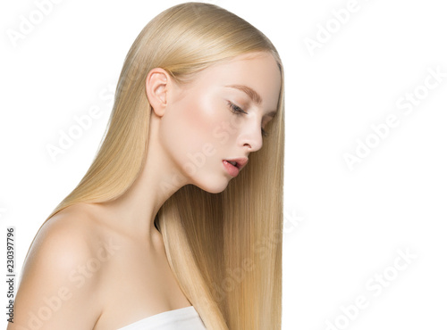 Fotografia Blonde long hair woman with healthy long hairstyle beauty isolated on white