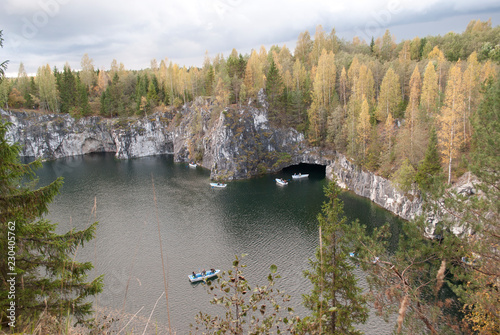 In de dag Canyon stone canyon, marble, rocks, autumn landscape in Russia