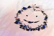 canvas print picture - Ein Gesicht Smiley Lachen aus Scherben von Weihnachten Schmuck Alles wird wieder gut
