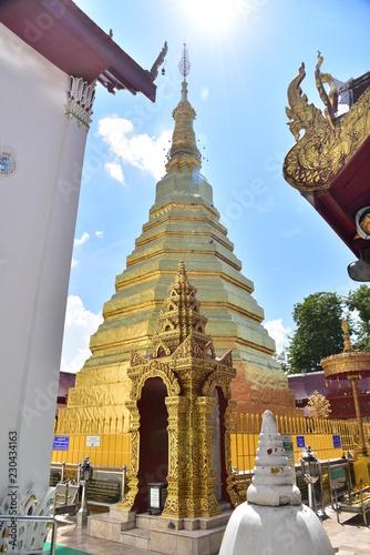 Tuinposter Bedehuis temple in thailand