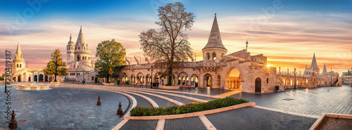 Photo Interior high resolution panoramic view of the Old Fishermen Bastion in Budapest, Hungary in the morning