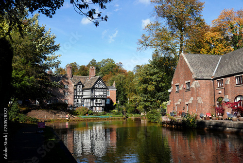 Worsley Packet House on the Bridgwater Canal in Worsley near Manchester Fototapete