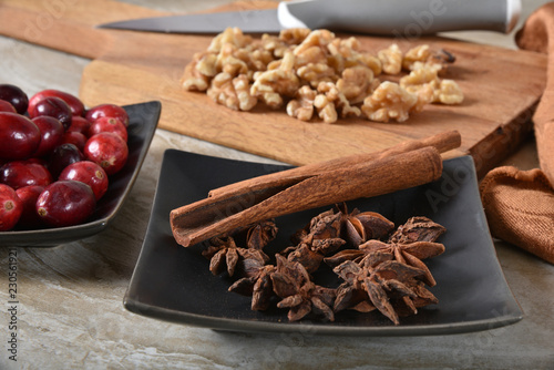 In de dag Kruiderij Cinnamon sticks and star anise spices