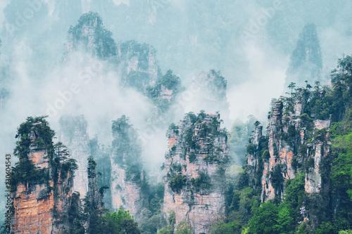 Montage in der Fensternische Licht blau Zhangjiajie mountains, China