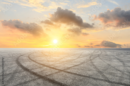 Ingelijste posters F1 Car track square and sky beautiful cloud scenery at sunset