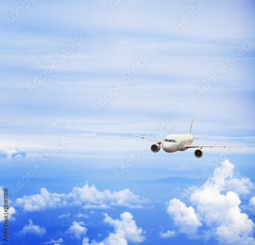 Poster Avion à Moteur airplane in blue sky, travel concept