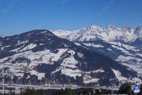 Tiroler Bergwelt im Winter