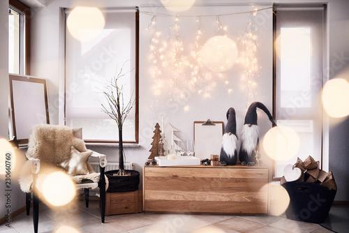 Pinturas sobre lienzo  Weihnachtsdekoration im Wohnzimmer mit Glitzer im skandinavischen Stil