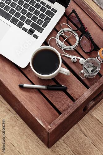 Fotografia, Obraz  TAZA DE CAFÉ EN MESA DE TRABAJO