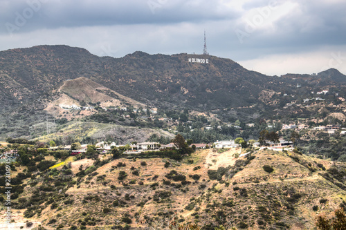 The famous Hollywood sign in the Hollywood Hills on the outskirts of Los Angeles Fototapeta
