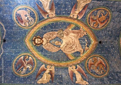 Cristo in gloria con i simboli degli evangelisti; affesco nella chiesa romanica Canvas Print