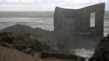 Big Waves Hitting The Abandone...
