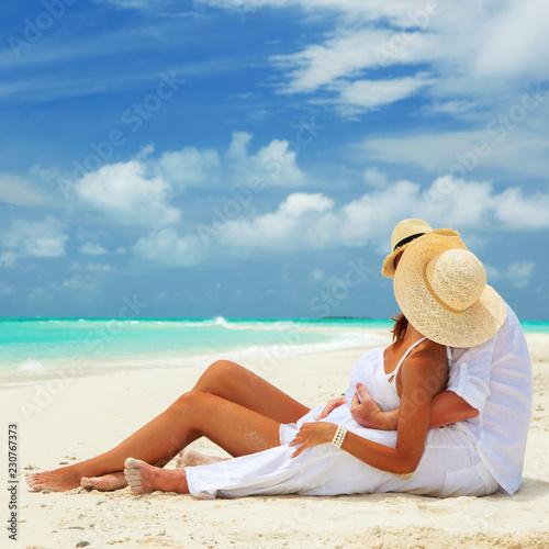 Fotografia Happy honeymoon vacation at Paradise
