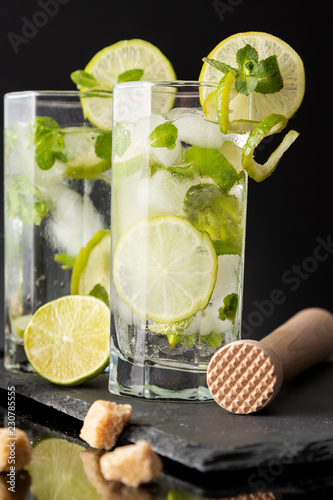 Tuinposter Cocktail Mojito cocktails