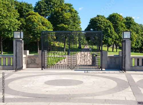 Photo  Oslo, Norway, Forged gates around the monolith in Vigeland Park