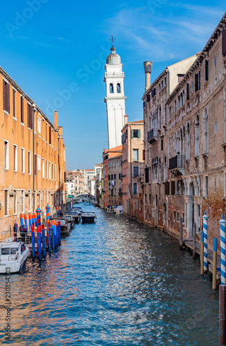 Foto op Plexiglas Venetie old canals houses and streets of venice