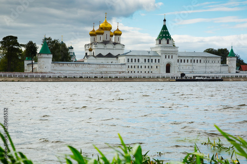 Poster Europese Plekken Male Ipatievsky Monastery at cloudy day in Kostroma, Russia