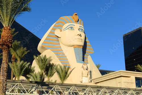 Spoed Foto op Canvas Historisch mon. Great Sphinx of Giza replica on Las Vegas Strip in Las Vegas, Nevada, USA.