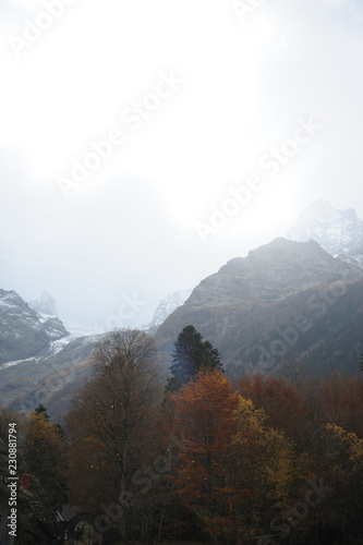 Fotobehang Wit view of mountains in winter