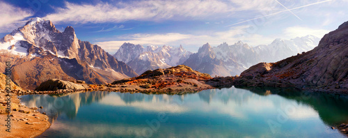 Foto auf AluDibond Reflexion Crystal Lakes Chamonix in the Alps