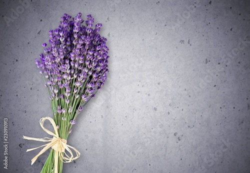 Photo  Bouquet of lavender flowers on background