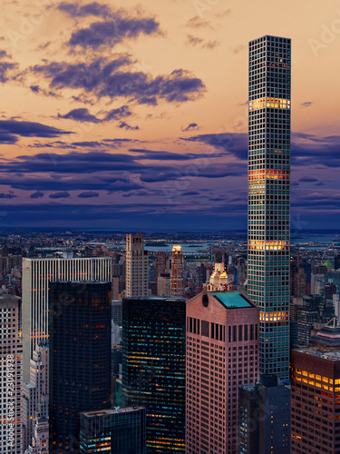 Fotografia Manahattan New York City Skyline at dusk skyscrapers and tower