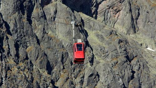 Alpejska, górska kolej linowa na Łomnicę w Tatrach Wysokich na Słowacji
