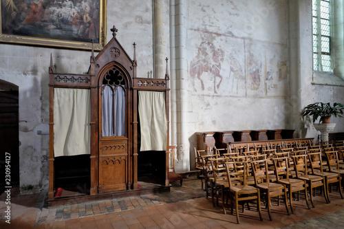Valokuvatapetti Confessionnal de l'église de Saint Denis d'anjou