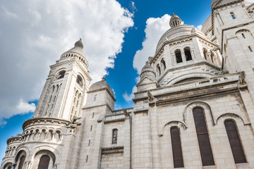Fototapeta Basilica of the Sacred Heart of Paris or Basilica Coeur Sacre on Montmartre in Paris, France