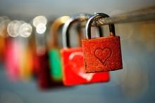 Symbol Picture, Love Padlocks ...