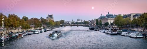 Tuinposter Centraal Europa Am Ufer der Seine in Paris, Frankreich