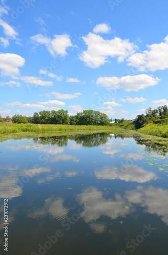 Fototapeta Kamenka River in Suzdal obraz na płótnie