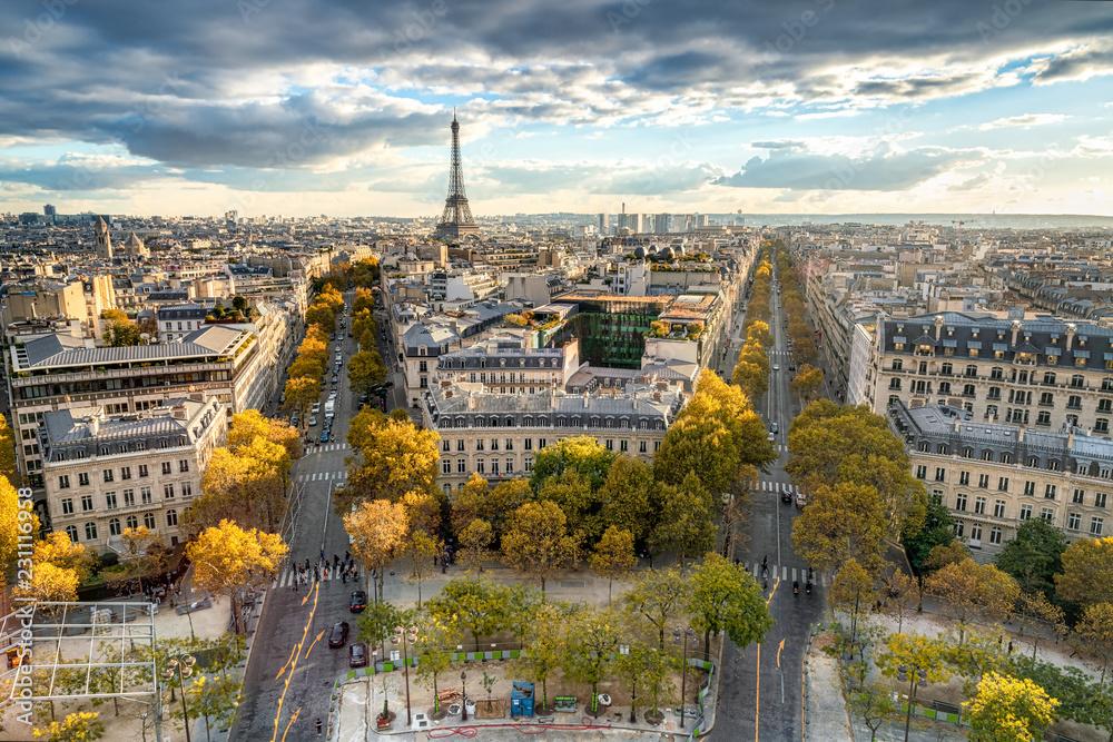 Fototapety, obrazy: Paris im Herbst mit Blick über die Stadt Skyline und den Eiffelturm