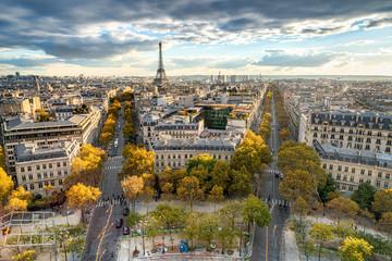 Fototapeta Paris im Herbst mit Blick über die Stadt Skyline und den Eiffelturm
