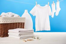 Laundry Basket, Plastic Contai...