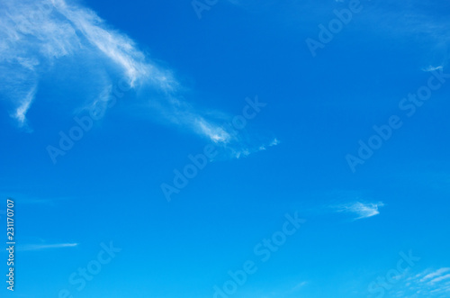 In de dag Ochtendgloren blue sky background with white clouds