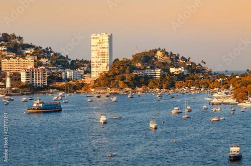 Fotografija  panoramic view of riviera of Acapulco Mexico in sunset