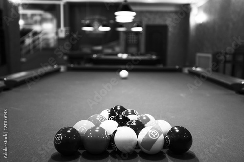 Large room with pool tables Fototapete