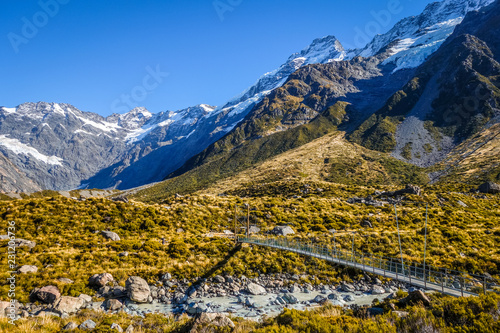 Foto op Aluminium Oceanië suspension bridge in Hooker Valley, Mount Cook, New Zealand