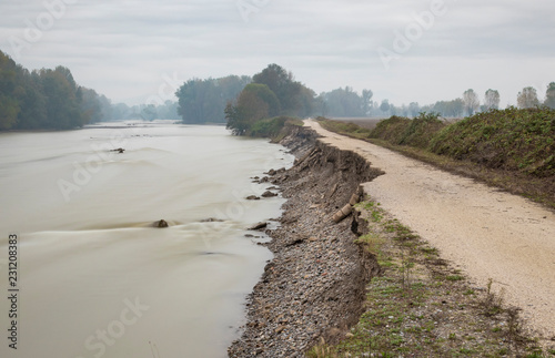 Cuadros en Lienzo Embankments after the flood in northern Italy - long esposure