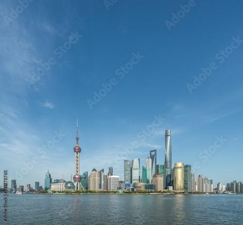 Foto op Aluminium Shanghai Shanghai skyline against blue sky
