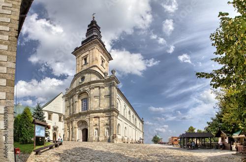 Cuadros en Lienzo Benedictine monastery and basilica  Holy Cross  Swietokrzyskie Mountains