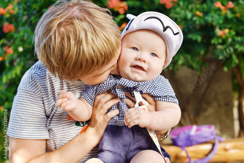 Fotografia  mother with baby son