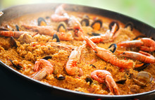 Paella. Traditional Spanish Fo...