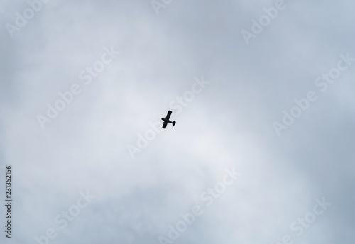 Fotografie, Obraz  flugzeug alt klein flieger am himmel