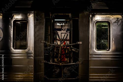 ニューヨークの地下鉄のイメージ